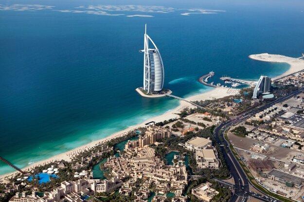 Rezorty v Emirátoch dávajú zaočkovaným zľavy
