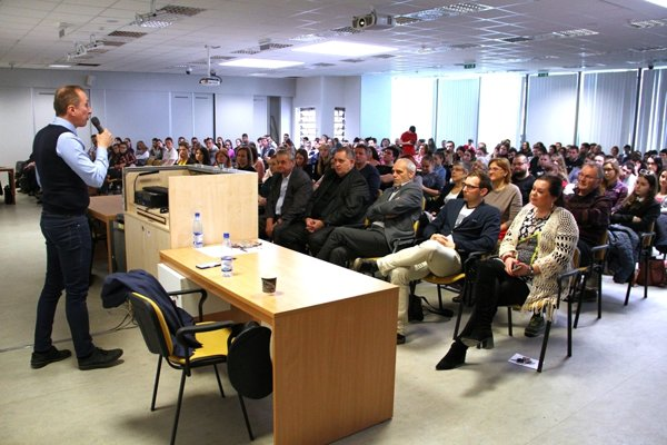 Fakulta ekonomiky a manažmentu SPU v Nitre pripravila pre študentov a všetkých, ktorých zaujíma problematika kryptomien, výberovú prednášku