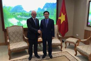 Podpredseda vlády Vietnamu podporuje spoluprácu EU v Bratislave s vietnamskými univerzitami