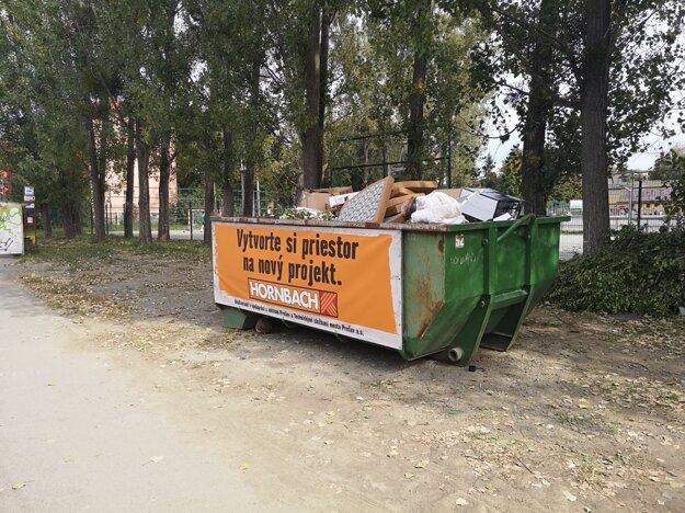 kontajner na Odborárskej ulici v Prešove