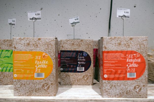 Zo štiav značky Južné Sady sa vyrába aj obľúbené Jablčno. Oba produkty nájdete v predajni Sanagro.