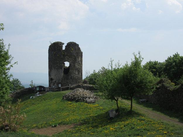 Projekt Obnova bašty č. 6 - Alžbetka realizuje OZ Hradba Šariš