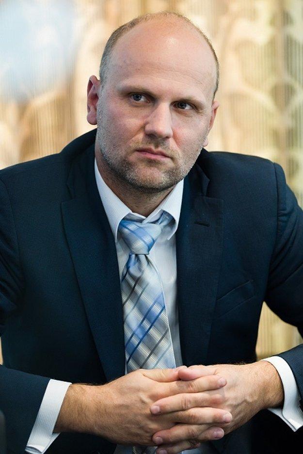 MUDr. Marek Adámik, PhD., chirurg z Chirurgickej kliniky a transplantačného centra Univerzitnej nemocnice v Martine