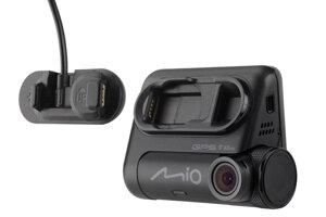 Novým trhákem Vánoc je autokamera MIO s nejlepšími záběry,  rychleodnímatelným držákem a s GPS a WIFI - Mio MiVue 826 WIFI.