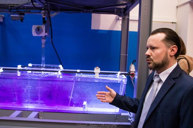 Laboratórium SimConT bolo vybudované v spolupráci s Výskumno-vývojovým centrom, s.r.o. a Železiarní Podbrezová a.s