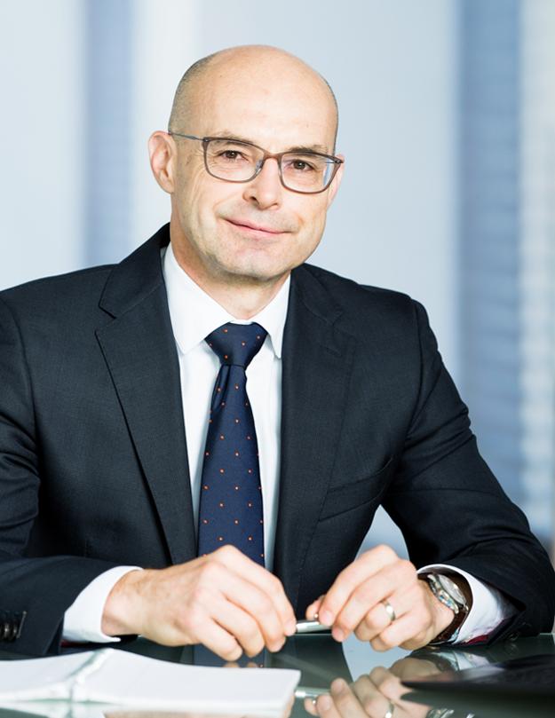 Peter Socha, predseda predstavenstva DDS a DSS AXA na Slovensku a v Čechách