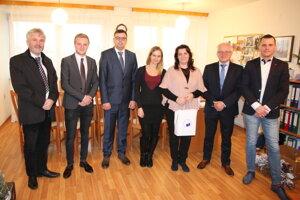 Zamestnanci a študenti EU v Bratislave darovali radosť a vyčarili úsmev