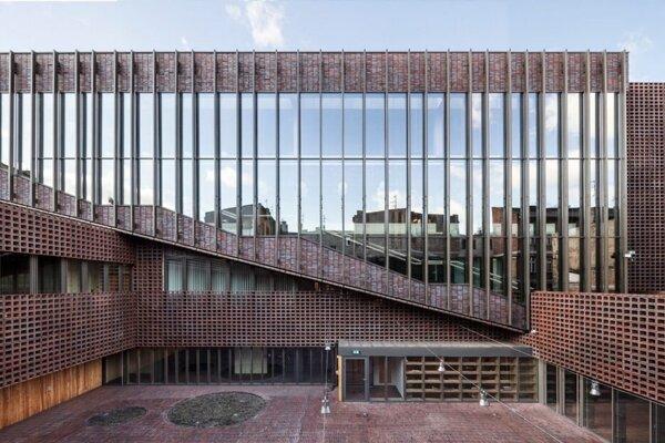 Lokalita: Katowice, Poland. Architekti: BAAS Arquitectura, Barcelona/Spain with Grupa 5 architekci, Warsaw/Poland and Małeccy biuro projektowe, Katowice/Poland