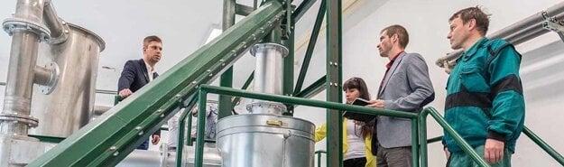 Prezentácia splyňovača na biomasy pre študentov.
