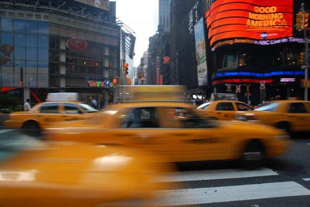 Množstvo taxislužieb vás odvezie na očkovanie zdarma