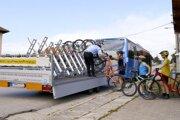 Bezstarostnému cestovaniu dopomáhajú aj stewardi, ktorí sa vám postarajú o naloženie bicykla na cyklovozík a jeho zaistenie.