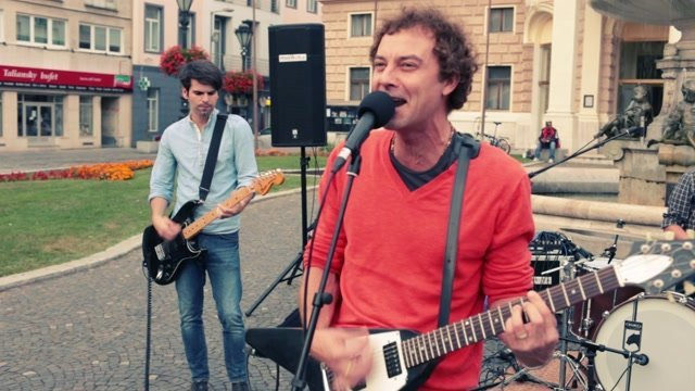 Dobrý večer priatelia zahrali Le Payaco na Hviezdoslavovom námestí