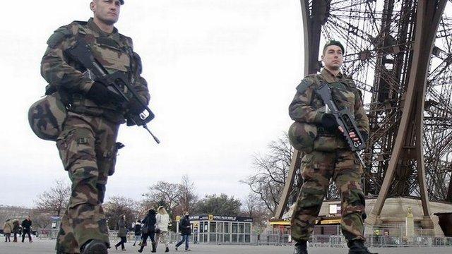 Je Európa skutočne pripravená na ďalší útok teroristov? Ich úroveň skúmajú aj virtuálne
