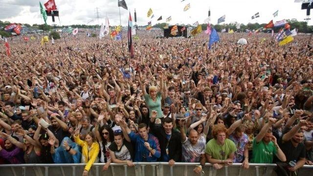 Festival Glastonbury zaplatí pokutu kvôli znečisteniu životného prostredia