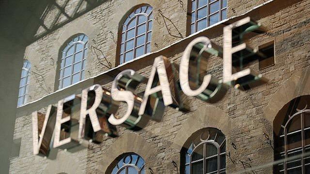 Vražda talianskeho módneho návrhára Gianniho Versaceho bude námetom pre seriál