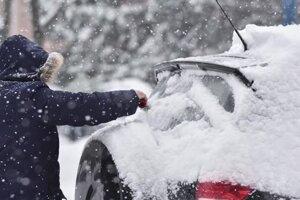 Chladný pocit zo zimy máme kvôli snehu, táto zima je mierna (video)