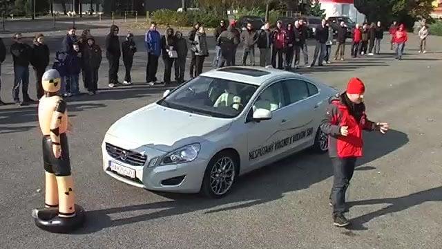 Auto.sme.LIVE: Volvo rozoznalo chodca a Nissan Juke má problém so stabilitou