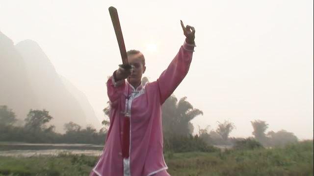 Ak chcete ovládať Tai Chi, naučte sa prevalovať ako čierny medveď