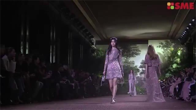 Elie Saab predstavil v Paríži jednu zo svojich najlepších Haute Couture kolekcií