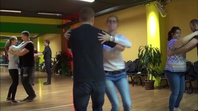 Kurzy ľudového tanca zažívajú boom. Takto sa tancuje v Bratislave