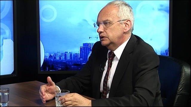 Rektor Svák:  Ústava za spory nemôže