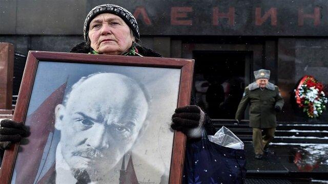 Ruskí komunisti protestujú. Nechcú aby vo filme o Leninovi hral Američan
