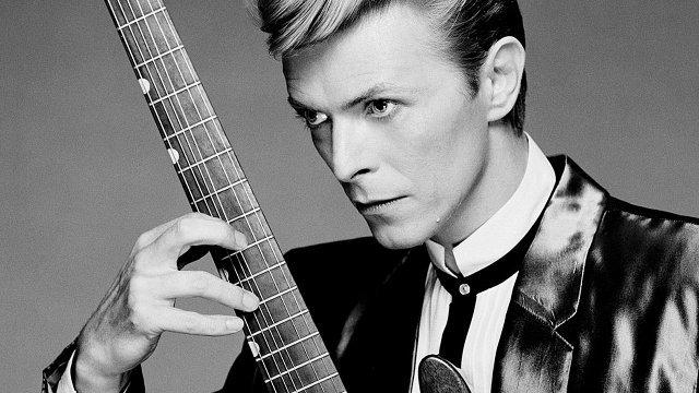 Chystá sa veľká dražba cennej umeleckej zbierky Davida Bowieho