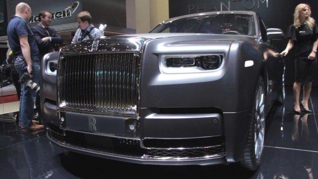 Autosalón Ženeva: Rolls-Royce Phantom má pre pasažierov vzadu pripravené krásne detaily