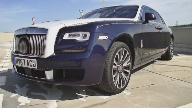 Ako jazdí Rolls-Royce Ghost? Pocit výnimočnosti nevydrží večne.