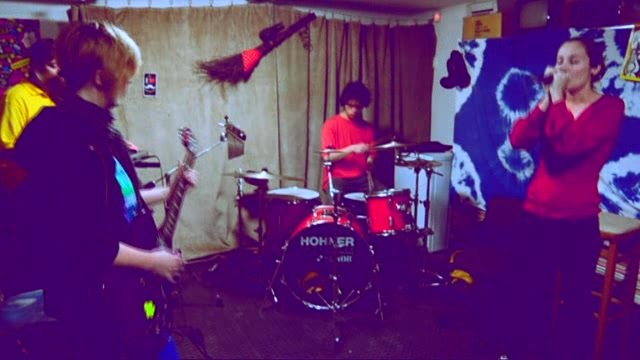Moustache: Prvý koncert sme hrali v garáži