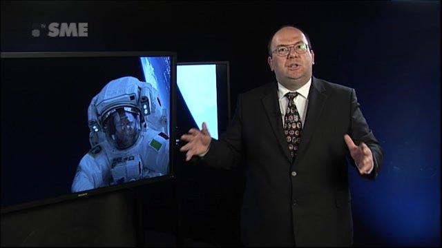 Móda kozmonautov: Čo si obliekajú na vychádzku do vesmíru?