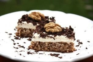 Orechovo-tvarohový koláč bez múky