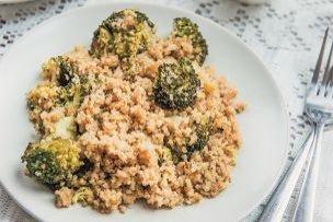 Niečo zdravé na zasýtenie: Quinoa s brokolicou